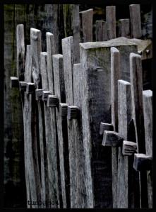 woodenpicketfencelinewithha